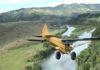 Décollage original d'un petit avion d'une falaise