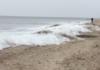 La mer gelée en Russie avec des vagues figées