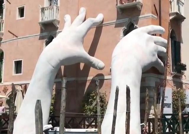 sculptures-monumentales-a-venise