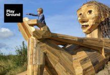 Des sculptures géantes en bois