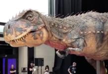 Un robot de dinosaure t-rex plus vrai que nature