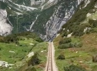 Funiculaire suisse spectaculaire