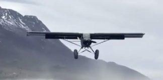 Atterrissage super court d'un petit avion