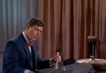 Talentueux Jerry Lewis, rocker dans le filmRock A Bye Baby