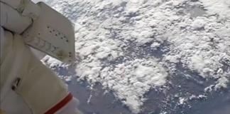 Vue à couper de le souffle de la station spatiale internationale